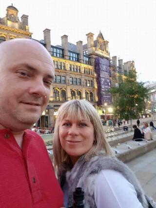 Esta foto fue tomada poco antes del ataque en Manchester que dejó 22 personas muertas. Entre ellos, Marcin (izq.) y Angelika, quienes fueron a recoger a sus hijas al concierto de Ariana Grande