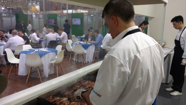 Bifes argentinos a la parrilla en China