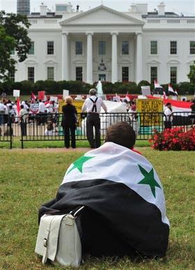 La comunidad sirio-norteamericana reclamó ayer frente a la Casa Blanca