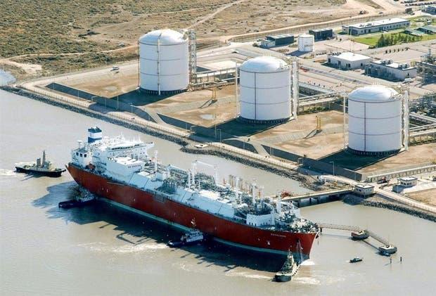 Uno de los barcos que ingresaron en el puerto de Bahía Blanca el año pasado