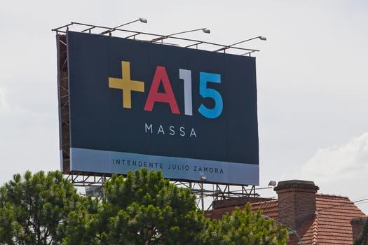 El slogan de Massa para 2015 sobre la Gral Paz. Foto: LA NACION / Matias Aimar
