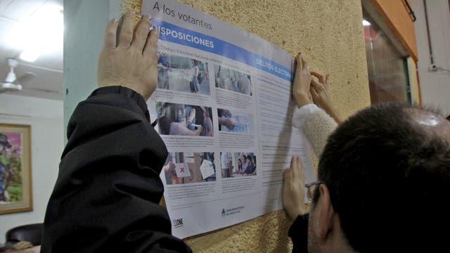Elecciones 2017 paso 2017 gente votando escuelas boletas padrón Barrio de la Boca. Foto: LA NACION / Carlos Greco