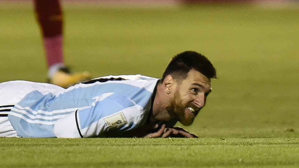 Lionel Messi, a todo nada. Foto: AFP