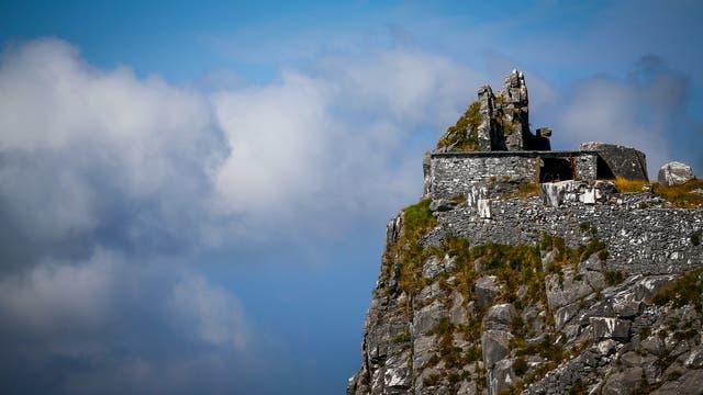 Un antiguo refugio en el Monte Altissimo, Toscana