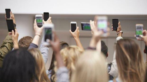 Las redes WiFi públicas no son las más seguras, pero a menudo necesitamos utilizarlas. ¿Cuál es la forma más segura de hacerlo?