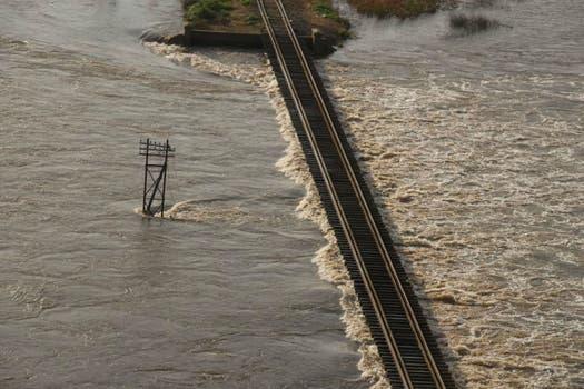 La zona rural de Alberti se encuentra anegada tras el desborde del Río Salado. Foto: Bomberos Voluntarios de Alberti
