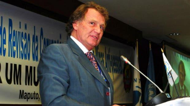 Carlos Sersale Di Cerisan, embajador en Londres