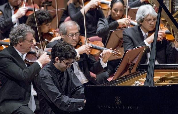 Marcelo Balal se lució con Ginastera