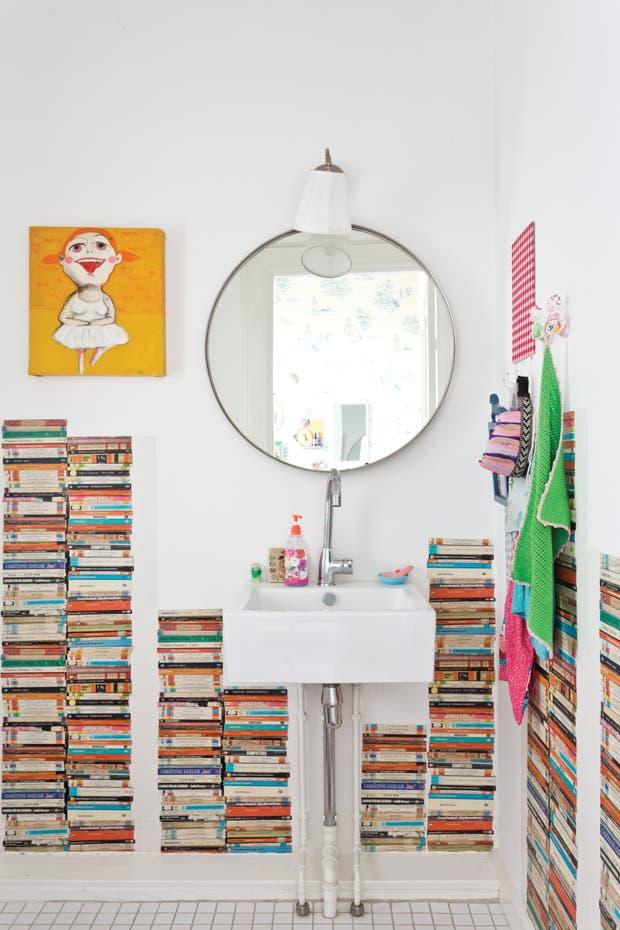 Iluminacion Baño Lux:Maquillarse o afeitarse en el baño requiere siempre de una luz bien