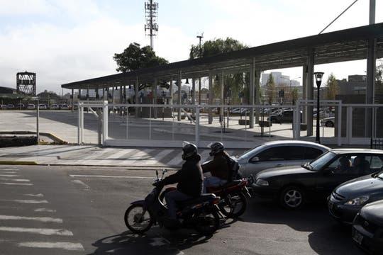 El traslado sería de manera transitoria, una vez finalizadas las obras en el Correo Central, los ómnibus regresarán a la Plazoleta del Tango. Foto: LA NACION / Emiliano Lasalvia