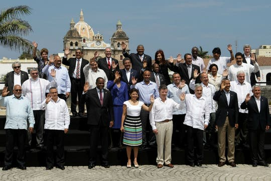 Foto final con todos los presidentes que asistieron a la Cumbre. Foto: AFP