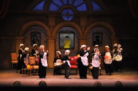 Una escena de La vie parisienne que la Compañía Lírica G. Verdi presenta hoy en el teatro Avenida