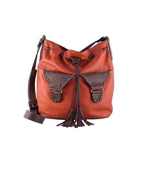 Bandolera naranja y marrón (Cul de sac, $ 900).