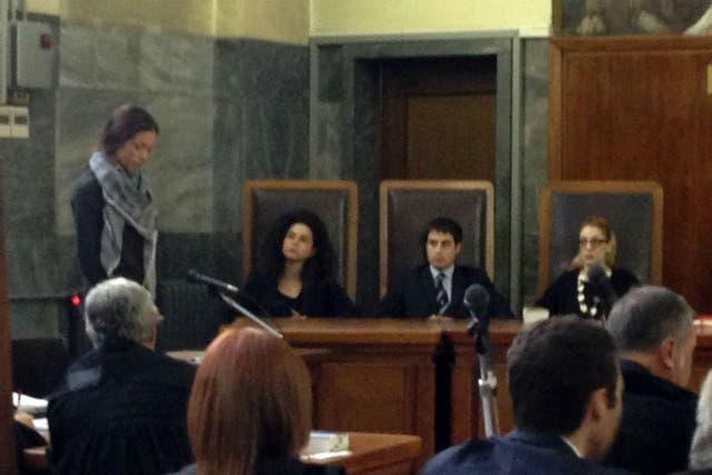 Hoy Ruby debió declarar ante la jueza que lleva adelante el caso por presunta prostitución del ex premier italiano