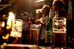 Adolescentes mezclan cerveza con lavandina para estimularse