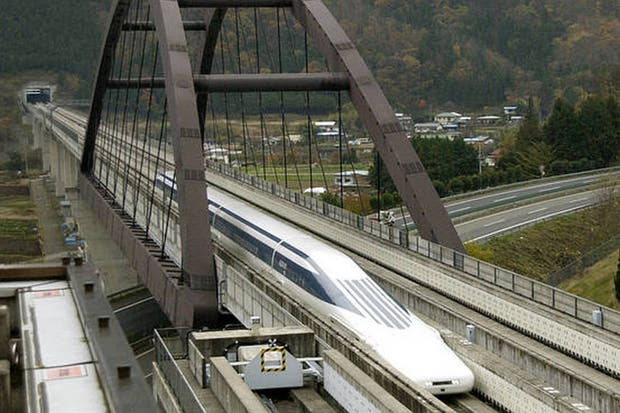 El tren MagLev japonés en la línea de pruebas en la prefectura de Yamanashi, en una imagen de archivo de 2007