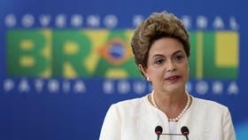 La presidenta brasileña Dilma Rousseff, ahijada política de Lula Da Silva, quien se jugó por Daniel Scioli, ya confirmó que asistirá al acto de asunción