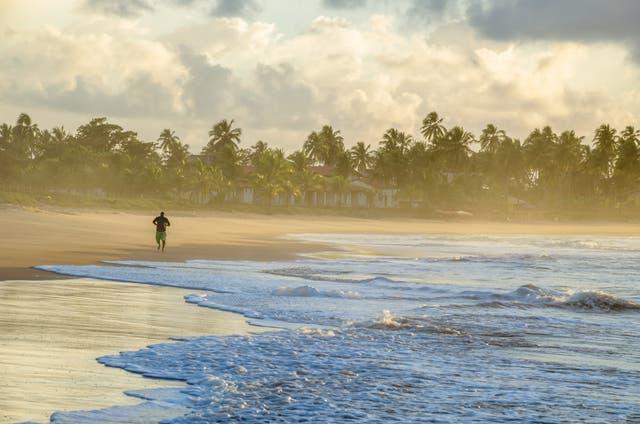 La playa de Guaruja es un paraíso de aguas cálidas y sol eterno