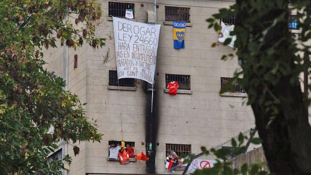 Presos de Devoto comenzaron una huelga de hambre en protesta por el proyecto que limita las salidas anticipadas