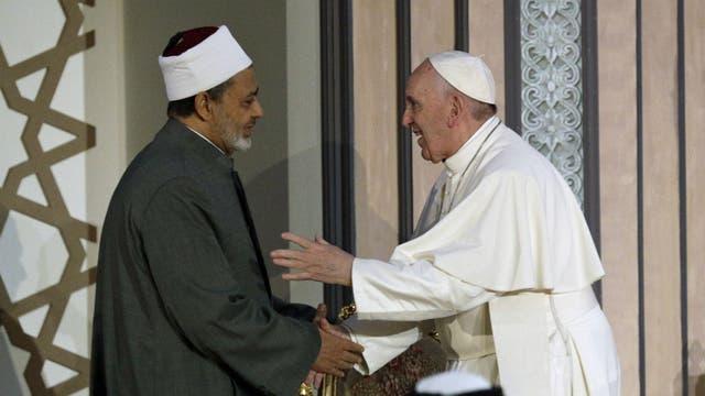 El Papa, con el gran imán de Al-Azhar, el Sheik Ahmed el-Tayeb