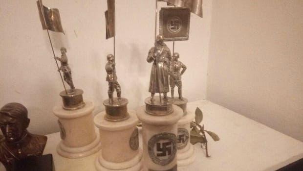 Encontraron objetos con simbología nazi durante un allanamiento