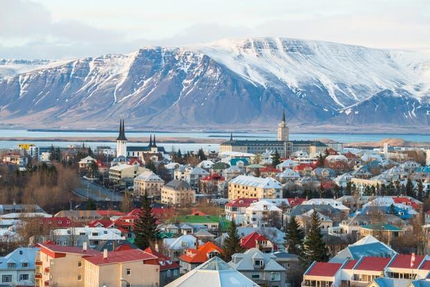 Islandia: 32° es el puesto que ocupa en libertad de comercio. 23° es el lugar que ocupa en derechos de propiedad. 7° tecnología es uno de sus fuertes en el ranking