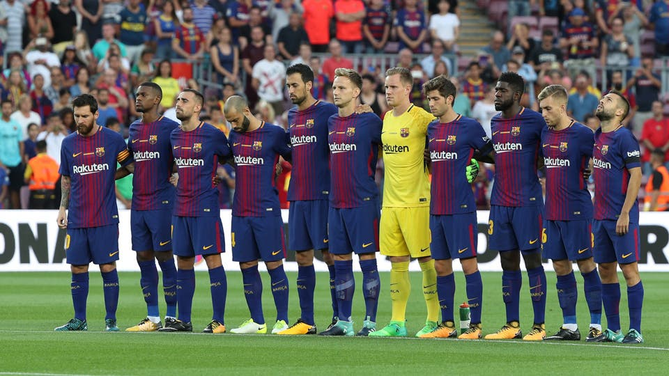 La seguridad y el homenaje a las victimas Barcelona vs. Real Betis. Foto: Reuters