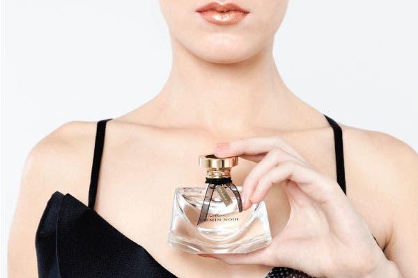 Fresca: L'Eau Exquise 75 ml (Bvlgari, $680) revela el lado más vivaz de las fragancias Mon Jasmin Noir, personificando un lujo exuberante con su más pura expresión en esta eau de toilette única, delicada y festiva..