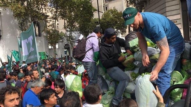 Feriazo: trabajadores rurales venderán sus productos a