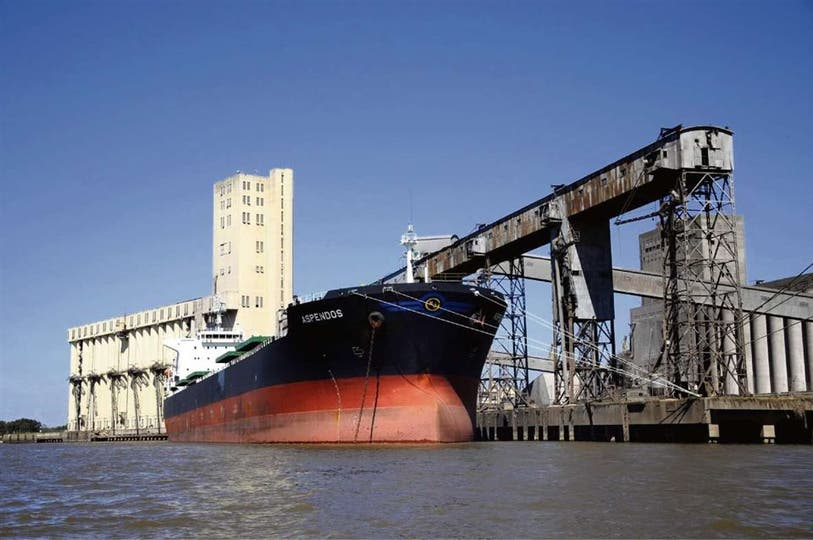 Las entidades se quejan por la falta de fluidez en la asignación de cupos para la descarga en los puertos