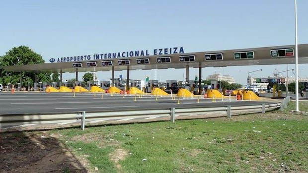 Ezeiza: corte en uno de los accesos al aeropuerto por una protesta de trabajadores