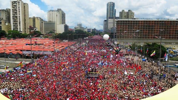 Partidarios del gobierno también reunidos en Caracas. Foto: AFP / Presidencia de Venezuela