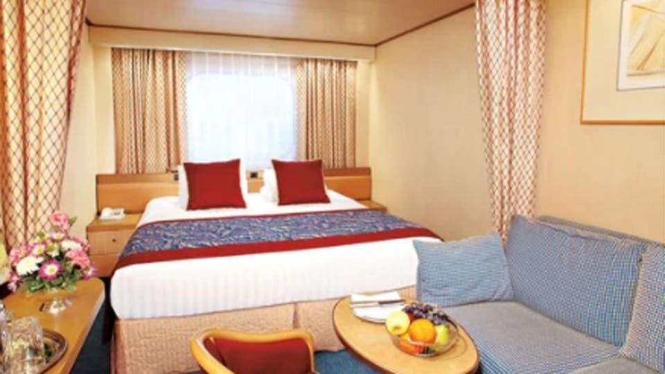 El crucero Zaandam, de la empresa Holland America Line, inaugurará la temporada. Construido en 2000, tiene capacidad para 1400 pasajeros. Sus itinerarios incluyen Brasil, la Argentina, las Islas Malvinas y Chile. Foto: Holland American Line
