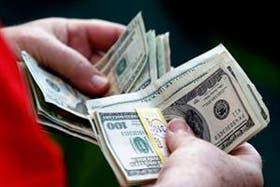El dólar paralelo sigue retrocediendo