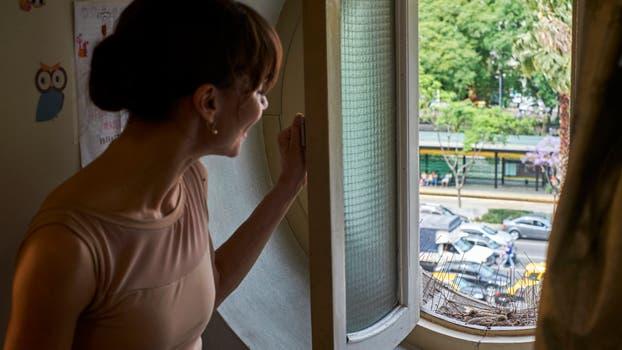 Una vista a la avenida 9 de Julio desde la ventana de su camarín. Foto: LA NACION / Hernán Zenteno