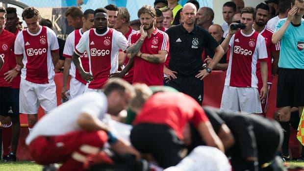 La preocupación de los jugadores del Ajax por su compañero