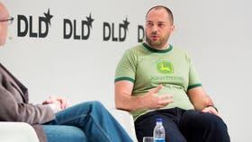 Jan Koum, cofundador de WhatsApp, durante la conferencia DLD en Munich, tras confirmar la remoción del abono anual de 1 dólar