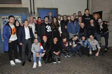 Gran parte del elenco de El Marginal vio en un bar en Palermo el episodio final de la tercera temporada