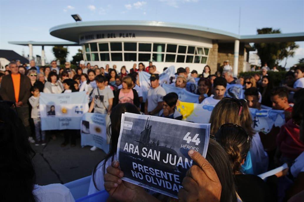 Familiares de tripulantes del ARA San Juan denuncian que