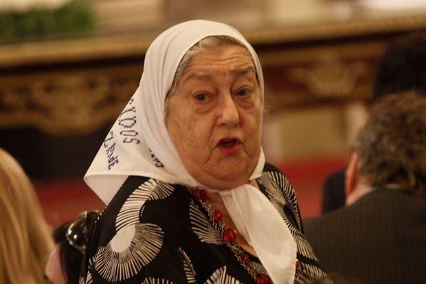 La titular de Madres de Plaza de Mayo criticó a Macri e insultó a Lorenzetti