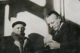 En la edición española del libro se publican fotos del archivo personal de Amorim, que aquí aparece junto con Pablo Picasso