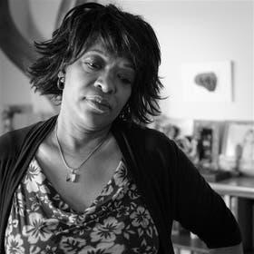 La poeta nació en Akron, Ohio, donde se nutrió de los cantos de la congregación religiosa de la que formaba parte. En 1987 recibió el premio Pulitzer de poesía. Fue el segundo autor afroamericano en obtenerlo