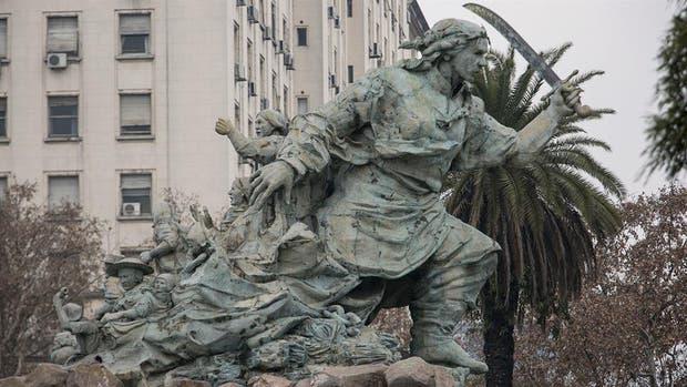Rodríguez Larreta propuso trasladar el monumento a Juana Azurduy frente al Centro Cultural Kirchner