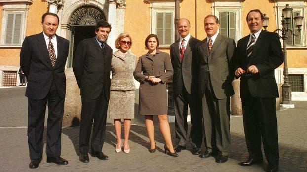 El presidente italiano Oscar Luigi Scalfaro la condecoró en el Palacio del Quirina en Roma, en noviembre de 1996; en la imágen junto a otros directivos de Clarín. Foto: Gentileza Clarín