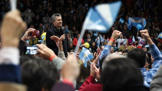 El presidente visitó Gualeguaychú para respaldar a Atilio Benedetti, precandidato a diputado nacional