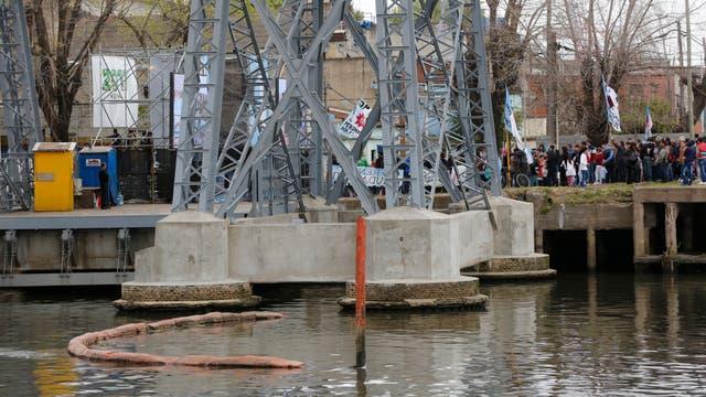 El transbordador de La Boca no pudo completar el viaje por una manifestación
