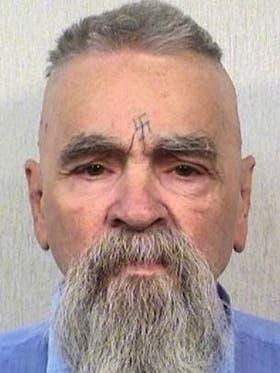 Charles Manson, de 83 años, murió este lunes en una prisión en California