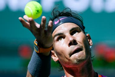 Nadal suffered a little pain, but won and will play against Federer.