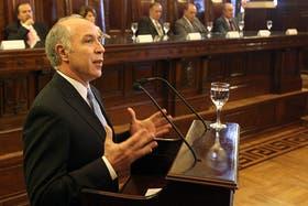 El presidente de la Corte Suprema, Ricardo Lorenzetti, evalúa denunciar al titular de la AFIP, Ricardo Echegaray, por extorsiones y amenazas