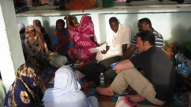 Bautista trabajando con el PNUD en el programa de prevención de conflictos, en Mauritania (2011)